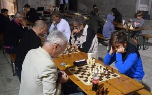 Igralo se ispred palače Arsan (foto: B. Purić)